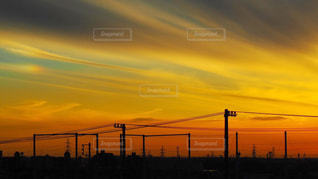 日没の前にトラフィック ライトの写真・画像素材[1271764]