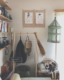 ベッドルーム(ベッド、鏡付)の写真・画像素材[4154083]