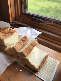 食べ物,屋内,パン,デザート,テーブル,菓子,ファストフード,スナック,ペストリー