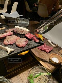 食べ物,屋内,グリル,肉,料理,焼肉,バーベキュー,ステーキ,焙煎,魚介類,豚肉,シュラスコ,赤身肉,硬化,バーベキューグリル,動物性脂肪,山羊の肉,子牛の肉