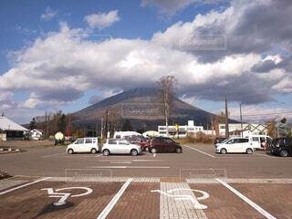 風景,空,屋外,雲,車,道路,北海道,山,道,車両,羊蹄山,陸上車両