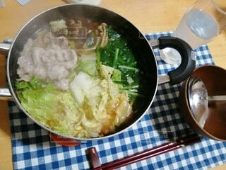 食べ物,皿,鍋,麺,ボウル,株式,アジアのスープ