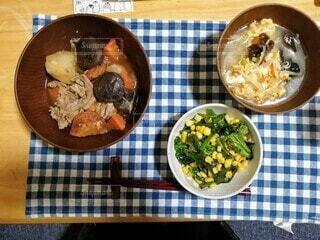 食べ物,ディナー,テーブル,野菜,皿,サラダ,レシピ,ファストフード,ボウル