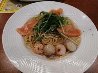 食べ物,白,テーブル,野菜,皿,パスタ,肉,料理,麺,中華料理,ラーメン,カッペリーニ,しらたき