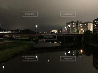 風景,空,建物,夜,橋,屋外,湖,川,水面,都会,月,街路灯