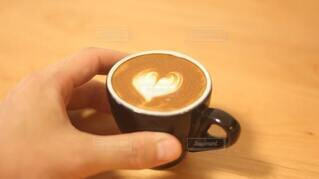 食べ物,コーヒー,マグカップ,食器,カップ,カプチーノ,エスプレッソ,紅茶,ラテアート,ドリンク,ラテ,コーヒー牛乳,カフェイン,マキアート,受け皿,コーヒー飲料