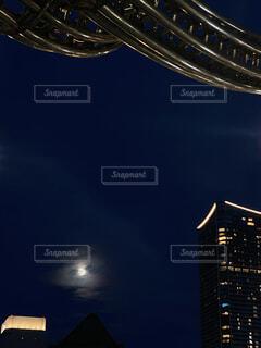 自然,風景,空,夜,月,高層ビル,真鍮