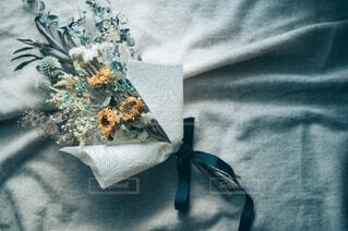 花,屋内,ひまわり,花束,ドライフラワー,家,布,ヒマワリ,物撮り