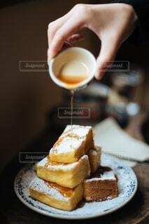 ふわふわのフレンチトーストの写真・画像素材[4163504]