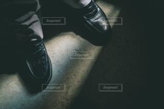 白ステッチのローファーの写真・画像素材[4196623]
