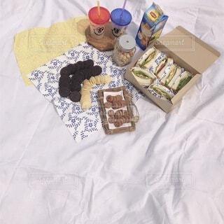 食べ物,屋外,デザート,サンドウィッチ,ピクニック,布,手作り,おしゃピク,誕生日ケーキ,菓子,スナック,ベッド
