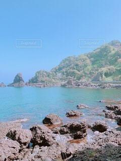 自然,風景,空,絶景,屋外,湖,ビーチ,青空,水,水面,山,岩,石,天気