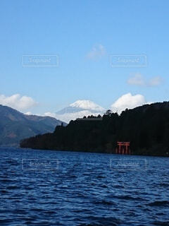 自然,空,富士山,絶景,雪,屋外,湖,雲,鳥居,水面,山,煙,芦ノ湖