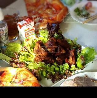 食べ物,食事,ディナー,野菜,肉,料理,手作り,ファストフード,スペアリブ,パーティーメニュー