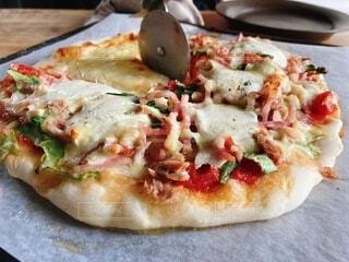 食べ物,屋内,料理,おいしい,菓子,ファストフード,ピザ,母の味,ピザチーズ,フラットブレッド
