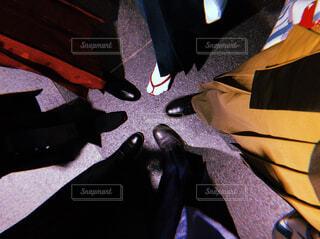 袴姿で足元の集合写真の写真・画像素材[4263486]