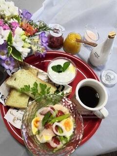 食べ物,カフェ,コーヒー,ディナー,野菜,リラックス,食器,サラダ,レストラン,おうちカフェ,ドリンク,ブランチ,おうち,ライフスタイル,ファストフード,おうち時間