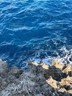 自然,海,空,屋外,ビーチ,雲,青,波,青い海,水面,沖縄,岩,崖,chill