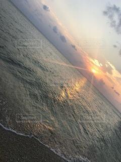 自然,風景,海,空,屋外,太陽,砂,ビーチ,雲,夕暮れ,水面,海岸,沖縄,水平線,日の出,chill,日の入,眺め,透き通った海