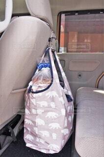 車の中のエコバッグの写真・画像素材[4373206]