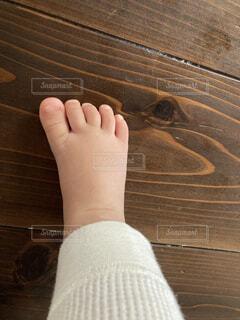 屋内,足,人物,人,赤ちゃん,寝てる,9ヶ月