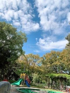 空,公園,秋,屋外,雲,樹木,遊び場,日中