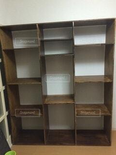 手作りの木製棚の写真・画像素材[4180924]