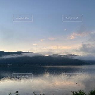 山中湖の朝の写真・画像素材[4186793]