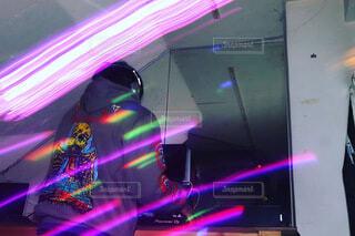 DJと舞台照明の写真・画像素材[4183261]