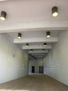中央大学の奥が気になる光の写真・画像素材[4187140]