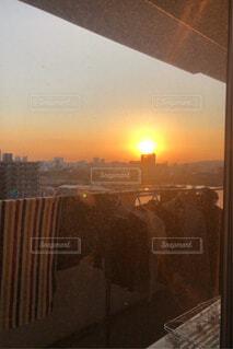 洗濯物と夕日の写真・画像素材[4538503]