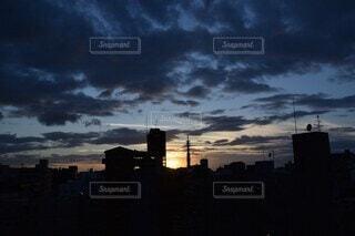 空,屋外,雲,夕暮れ,夕方,タワー,都会,高層ビル,明るい,一眼レフ,くもり,高層階