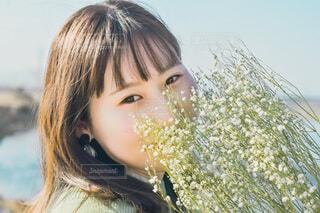 かすみ草に秘めた思いの写真・画像素材[4195528]