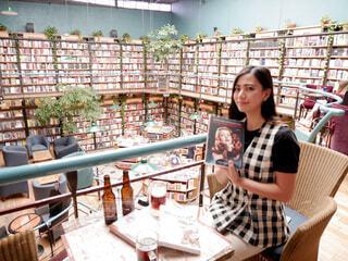 メキシコシティのインスタ映えスポット 図書館 + カフェ = カフェブレリアの写真・画像素材[4193498]