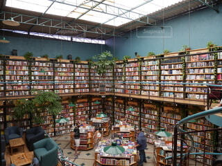 メキシコシティのインスタ映えスポット 図書館 + カフェ = カフェブレリアの写真・画像素材[4193515]