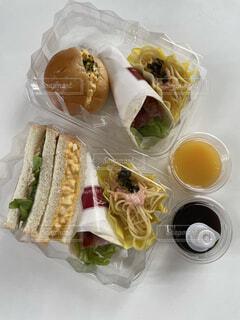 食べ物,ランチ,パン,デザート,サンドイッチ,料理,テイクアウト,ファストフード,デリバリー,お持ち帰り