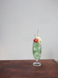 王道のクリームソーダの写真・画像素材[4199227]