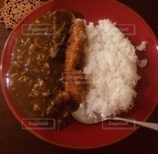 米の肉と野菜の一皿の食べ物の写真・画像素材[4205793]