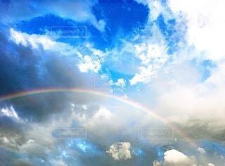 雨上がりの虹の写真・画像素材[4202654]