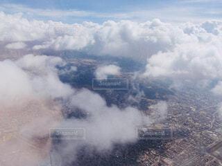 飛行機の窓から撮影した航空写真の写真・画像素材[4499585]