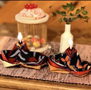 古布絣で手づくりの雛人形。南部裂織や竹細工益子焼と並べての写真・画像素材[4263858]