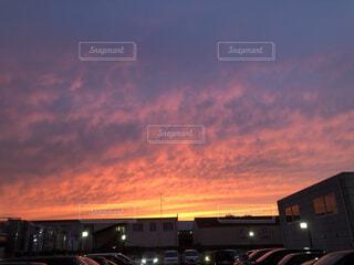 空,屋外,雲,夕暮れ,トラック,日の出,夕やけ