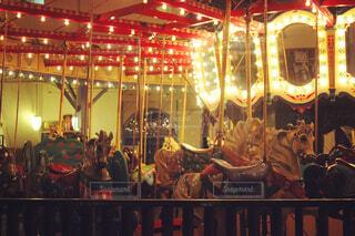 乗り物,夜,メリーゴーランド,馬,アトラクション,景観,カルーセル