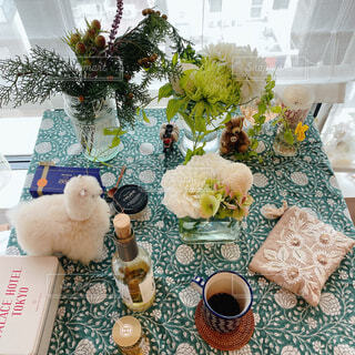 カフェ,花,花瓶,植木鉢,リラックス,たくさん,観葉植物,アルパカ,おうちカフェ,ドリンク,おうち,ライフスタイル,リラックスタイム,配置,おうち時間,ステイホーム