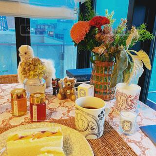 カフェ,花,花瓶,テーブル,リラックス,食器,おうちカフェ,ドリンク,おうち,ライフスタイル,おうち時間