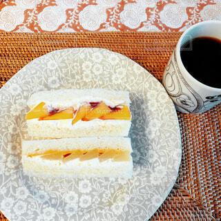 食べ物,カフェ,ケーキ,コーヒー,デザート,テーブル,皿,リラックス,食器,カップ,おうちカフェ,ドリンク,おうち,ライフスタイル,コーヒー カップ,おうち時間
