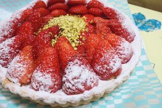 皿の上の食べ物の写真・画像素材[4237245]