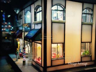 建物,インテリア,屋内,かわいい,きれい,綺麗,窓,ガラス,光,家,美しい,ドア,可愛い,店,オブジェ,光る,ノスタルジック,置き物,風情,郷愁,細かい,本物みたい,工芸品,職人技,見惚れる,展示品,展示物,ガラス館,浮かび上がる,ガラス工芸品,ガラス美術館,ガラスでできた,三河工芸,細部まで,こだわった