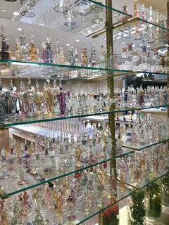 ガラス細工売り場のショーウィンドウの写真・画像素材[4391487]