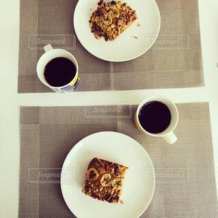 食べ物,カフェ,コーヒー,屋内,デザート,スプーン,皿,リラックス,食器,チョコレート,紅茶,おいしい,おうちカフェ,ドリンク,おうち,ライフスタイル,ファストフード,スナック,コーヒー カップ,おうち時間,受け皿